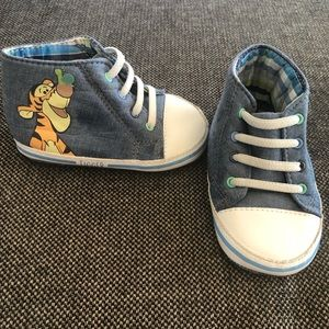 Disney Tigger baby booties size 12-18 months